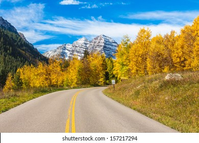 Snow-Capped Maroon Bells and Aspen Trees in Full Fall Color,Maroon Bells Wilderness, Aspen Colorado