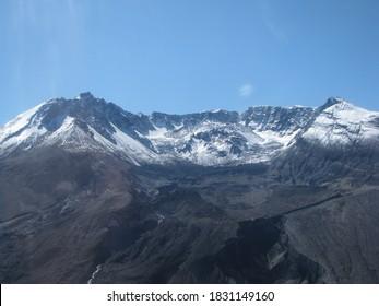 Snowcapped Mt St Helens, Washington, USA