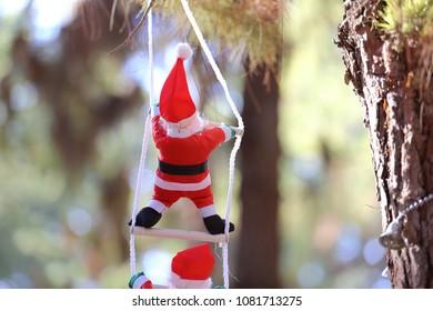 Snowmen on the tree