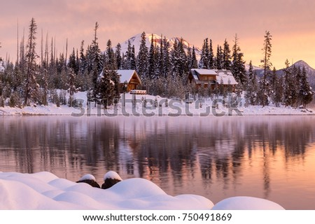 Snowy Cabins Line Shore Elk Lake Stock Photo Edit Now 750491869
