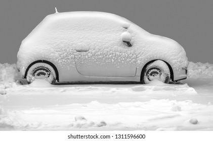 The snowy car