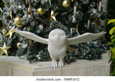 Snowy Owl Sculpture
