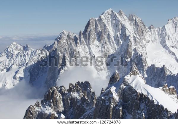 Picos nevados en la zona del Mont Blanc