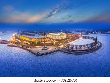 Snowy weather. Petersburg in the winter. Russia. Arrow of Vasilyevsky Island in St. Petersburg.