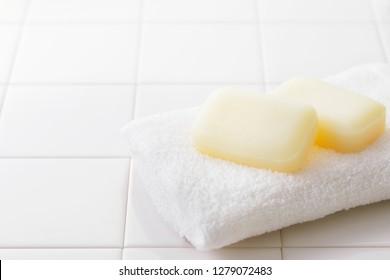 Piastrelle bagno bianche images stock photos & vectors shutterstock