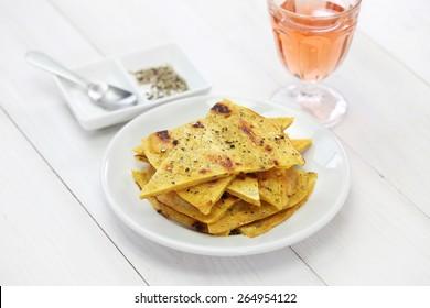 socca, farinata, crêpe de pois chiche au vin de rose