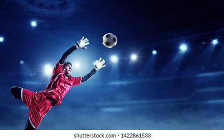 Bilder Stockfotos Und Vektorgrafiken Fussballtraining