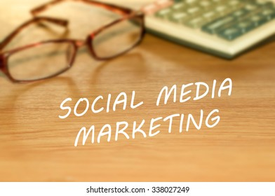 SOCIAL MEDIA MARKETING message on the table