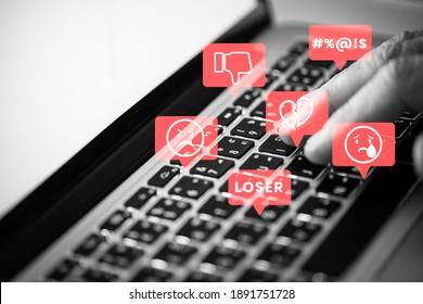Trolls de medios sociales acosan a la gente en medios sociales