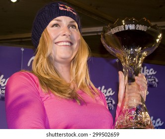 SOELDEN, AUSTRIA Oct 22 2009 Lindsey Vonn  during the Serge Lang Trophy presentation for her achievements during the 2008/09 season.