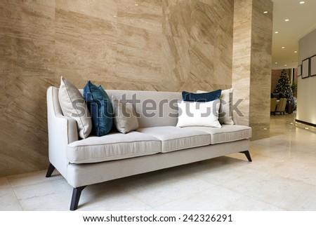 Merveilleux Sofa In Hotel Lobby