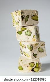 Soft cubes with pistachios