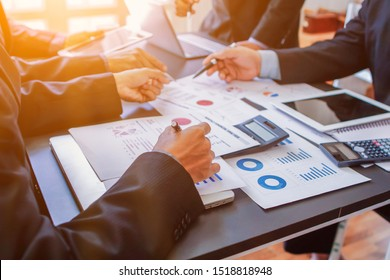 Soft Light ,The business group is advising and advising on investment and business expansion after meeting the results of the previous year which is satisfactory and wanting to invest more in business