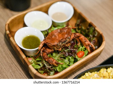 Soft shell crab salad with spicy sauce