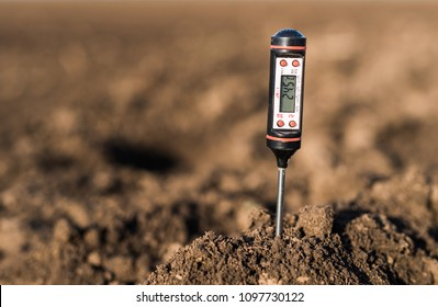 Soil meter for measured  PH, temperature and moisture at field