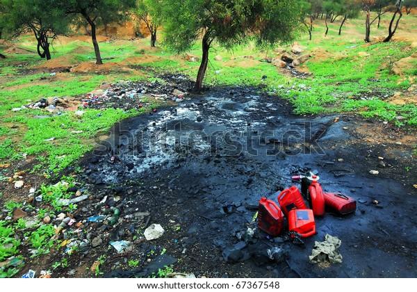 Contaminación del suelo con productos petroquímicos