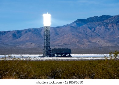 Solar heliostat concentrating the sun's rays to produce electricity in the Mojave Desert