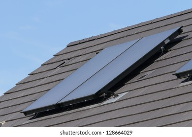 Solar hot water glass panel array