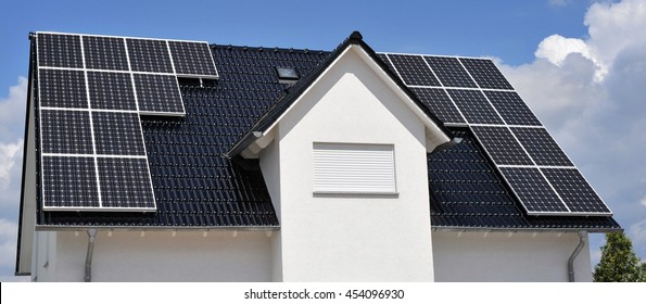 Solar Panel on a new Roof with dark tile