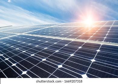 Solarpaneele, Fotovoltaik, alternative Energiequelle - Konzept der nachhaltigen Ressourcen