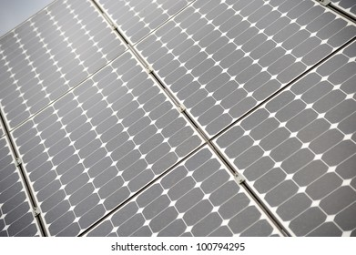 Solar panels allow the production of clean energy