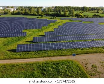 Solarzellen in Fotovoltaik-Kraftwerken