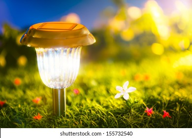 The solar power lamp make the light from clean energy.