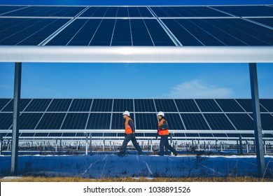 solar power station worker