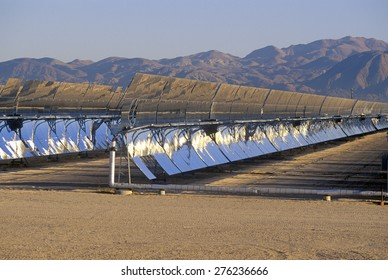 Solar Two panels at the South California Edison Plant in Barstow, CA
