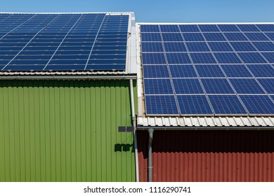 Solarpanels on a rooftop