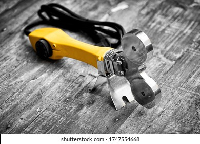 Soldering iron for PVC pipes, pipe cutting scissors, plumbing tools, components for water supply, autonomous heating, electric tools, accessories for construction work, plastic waterpipe units.