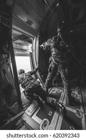 Soldier (Attack Unit) parachute training From C-130 Air Force aircraft  ,  Parachute C-130  ,  paratrooper dropping