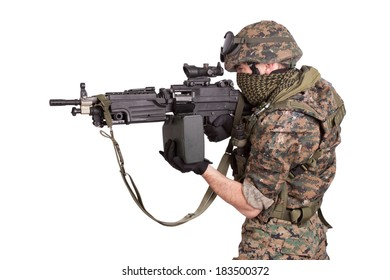 soldier with M249 machine gun