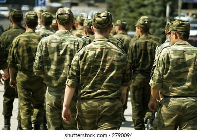 soldiers (focus point on the nearest people,special photo f/x)
