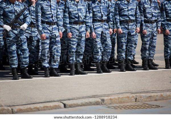 Meet russian soldiers at variani, sophia bush upskirts
