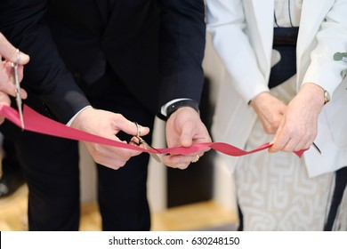 Feierliche Eröffnung eines neuen Einkaufszentrums