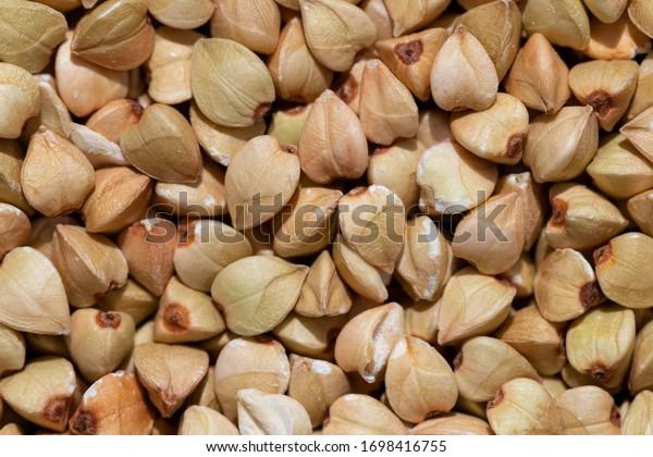 solid-background-raw-buckwheat-macro-600