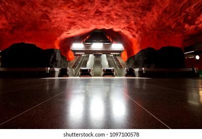 Solna Centrum Station, Stockholm subway