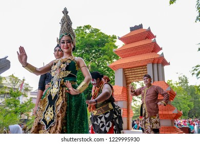 Solo, Indonesia - October 28, 2018: Javanese princess costume and the 'Abdi dalem'/Javanese royal servant costume cosplay in Solo Keris Festival