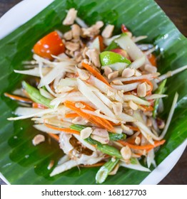 Som Tam Thai - Thai Green Papaya Salad with peanuts.