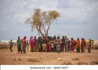 Somalia /Baidoa - May 2017 - A group of refugee waiting aid distribution during deadly drought in Somalia