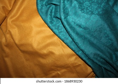 Sombor, Serbia, 12.06.2020. - Ocean and sand. Yellow and blue pashmina shawls.