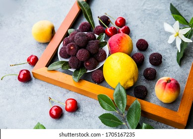 Some different kinds of exquisite fruits