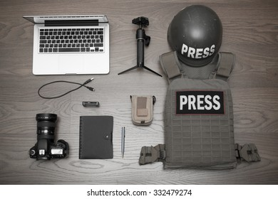 Some of the equipment necessary for the work of the photographer in the conflict zone