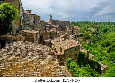 Sorano is an ancient medieval hill town hanging from a tuff stone over the Lente River