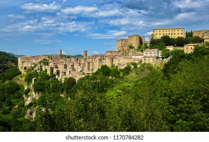 Sorano is an ancient medieval hill town hanging from a tuff stone over the Lente River.