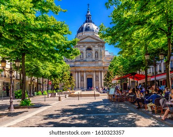 La Sorbonne est un édifice du Quartier Latin, à Paris, France, qui fut la maison historique de l'ancienne Université de Paris. Architecture et monuments de Paris. Carte postale de Paris
