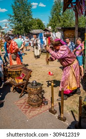 SOROCHYNTSI, UKRAINE - 22 AUGUST 2015: The fair is a large showcase for traditional handicrafts made by skilled craftsmen, including embroidery, rugs, ceramics, as well theatrical performers.
