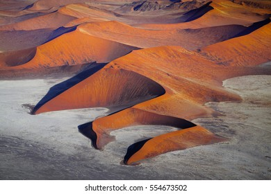 Sossusvlei in Namib desert - Skeleton coast - Namibia