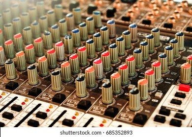 The sound controller is very helpful in official functions that require an interesting sound atmosphere. Proper use helps to deliver information more easily and meaningfully.